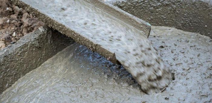 Со строительной площадки моста через Сугаш утащили канистры с добавками для бетона