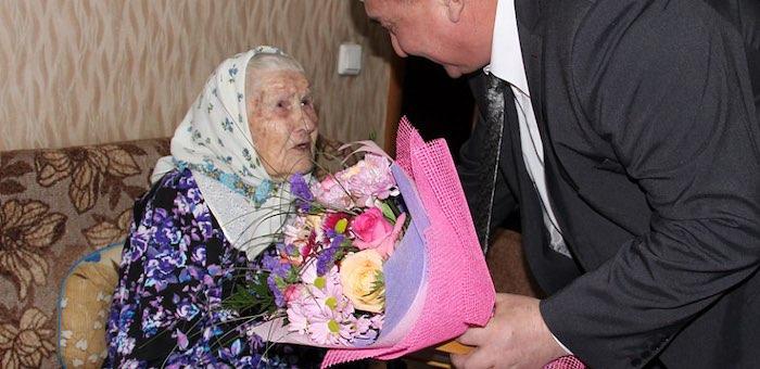 Ветеран войны Анна Жданова отметила 95-летний юбилей