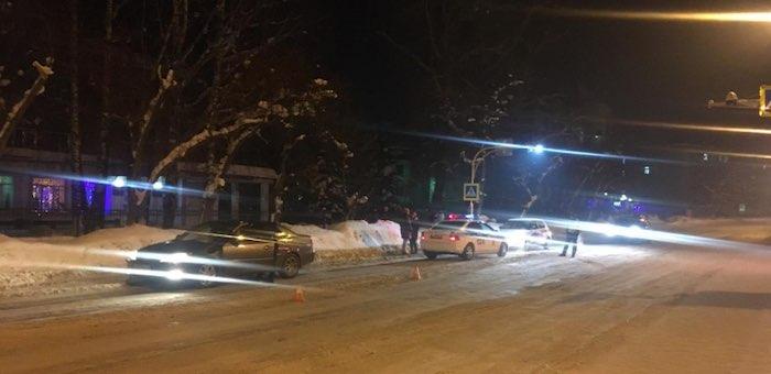 Toyota Camry сбила на пешеходном переходе двух девушек