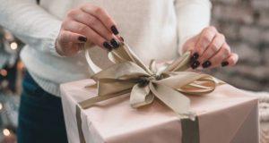 После новогодних посиделок женщина украла у новой знакомой деньги и купила себе дорогие подарки