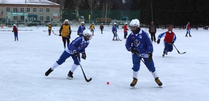 Республиканский турнир по хоккею с мячом прошел в Усть-Кане