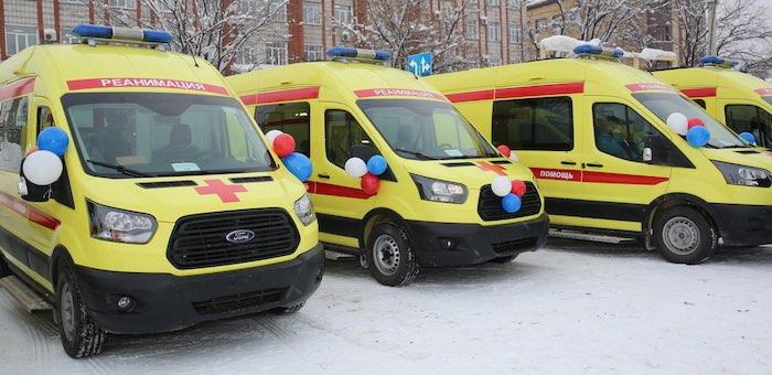 Районы получили автомобили скорой помощи и школьные автобусы