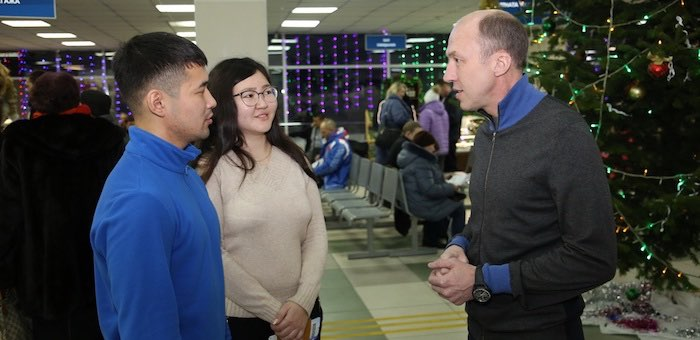 100-тысячным пассажиром горно-алтайского аэропорта стал местный студент