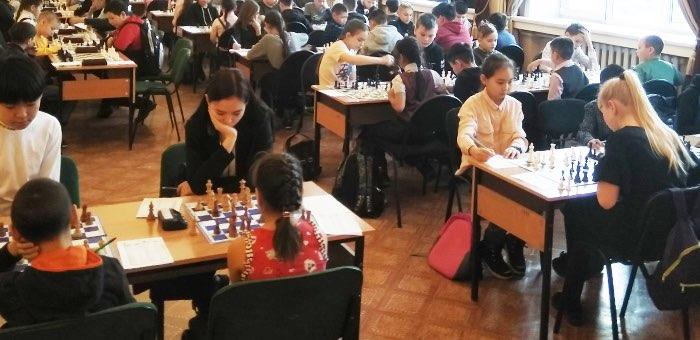 Первенство по шахматам среди школьников прошло в Горно-Алтайске