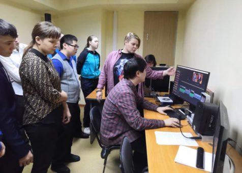 Школьники побывали на экскурсии в типографии и на телевидении
