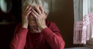 Разбойник избил 86-летнюю пенсионерку и забрал у нее полторы тысячи рублей