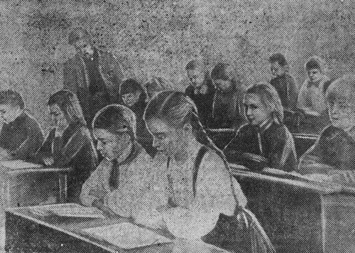Занятия в одной из школ Алтайского края, 1944 год. Фото: «Алтайская правда».