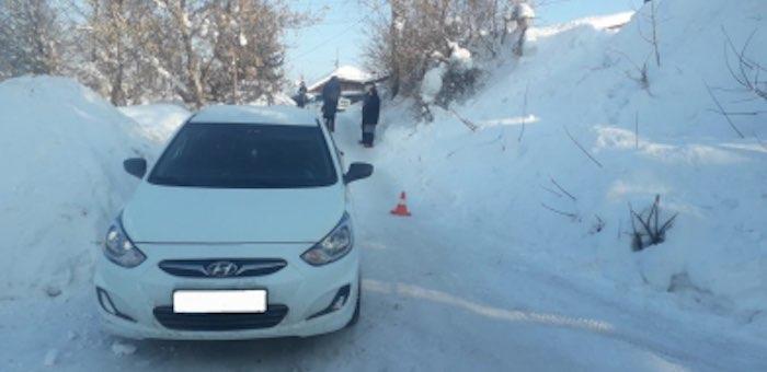 Семилетний мальчик выкатился с горки под колеса автомобиля
