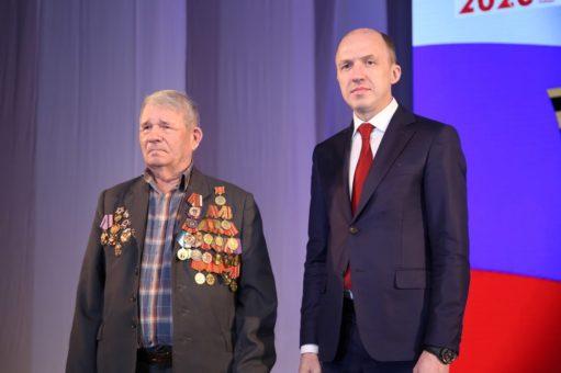 Ветераны и военные получили награды ко Дню защитника Отечества