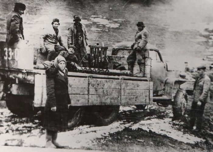 Работники Акташского рудника.