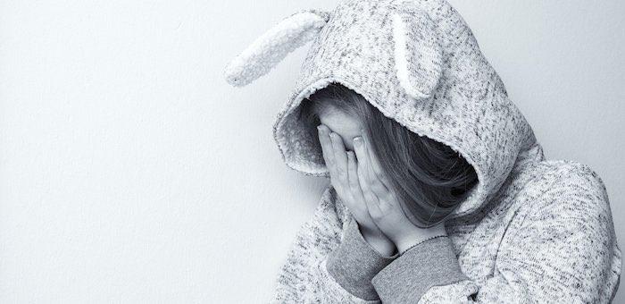 Всем нужно быть внимательней: специалисты обсудили, как не допускать подростковых самоубийств