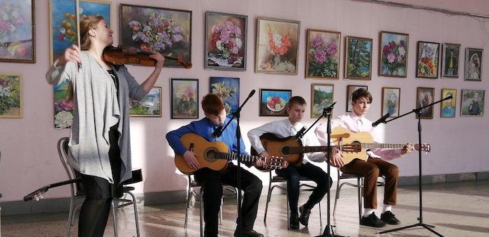 В Майме открылась выставка картин Ольги Асатрян