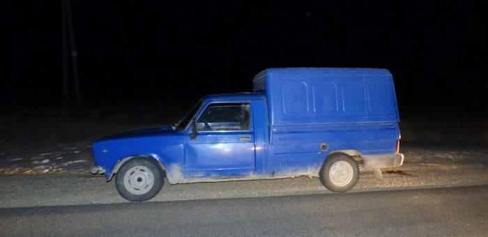 Застенчивый угонщик сбежал из чужого автомобиля, забыв там телефон