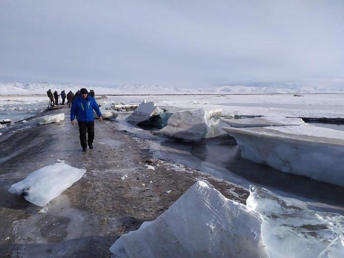 Взрыв льда