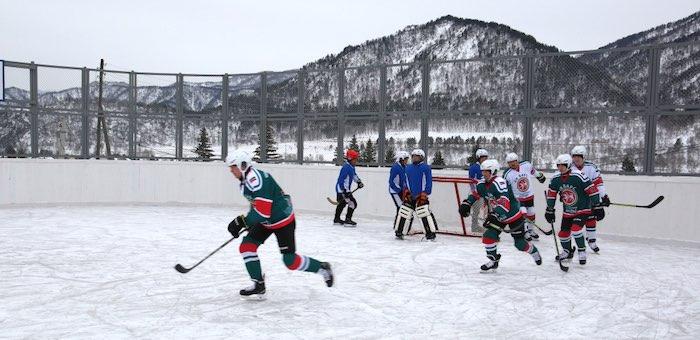 В десяти селах установят хоккейные коробки