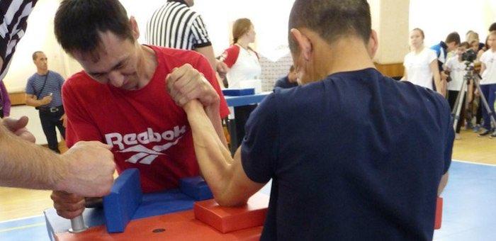 Спортсмен из Кош-Агачского района принял участие в чемпионате России по армрестлингу