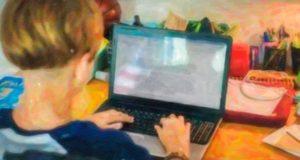 В Республике Алтай школьники уходят на каникулы, а затем - на дистанционное образование