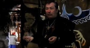 «Алтайский шаман Антон» проводит обряд против коронавируса