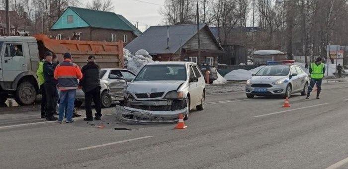Маленькая пассажирка госпитализирована после столкновения автомобилей в Майме