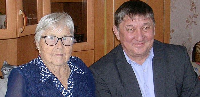 Ветеранам вручают медали «75 лет Победы в Великой Отечественной войне»