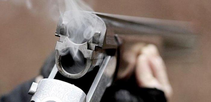 Мужчина, едва не застреливший 13-летнюю дочь, не признает своей вины