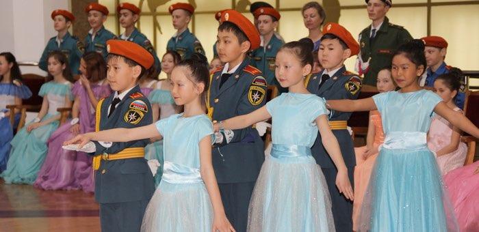 Традиционный кадетский бал прошел в Горно-Алтайске