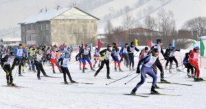 Свыше пятисот человек приняли участие в лыжных гонках на закрытии зимнего спортивного сезона