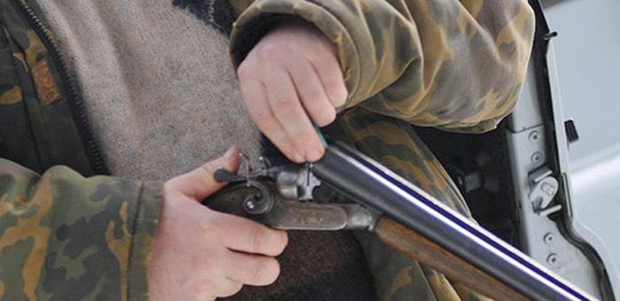 Житель Ябогана украл в гостях ружье, пошел с ним погулять и чуть не убил односельчанку