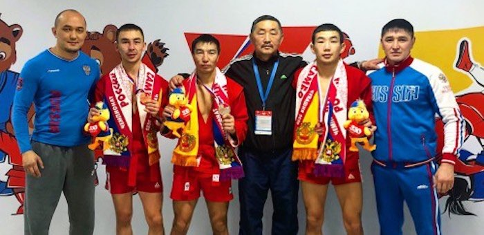 Спортсмены из Республики Алтай завоевали медали на чемпионате России по самбо