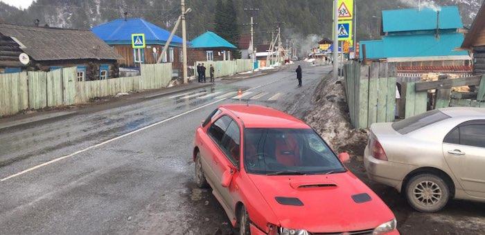 В Усть-Мунах двух девочек сбили на пешеходном переходе