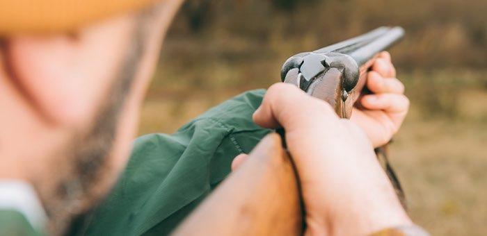 Двух жителей села Иогач будут судить за охоту на кабаргу в заповеднике