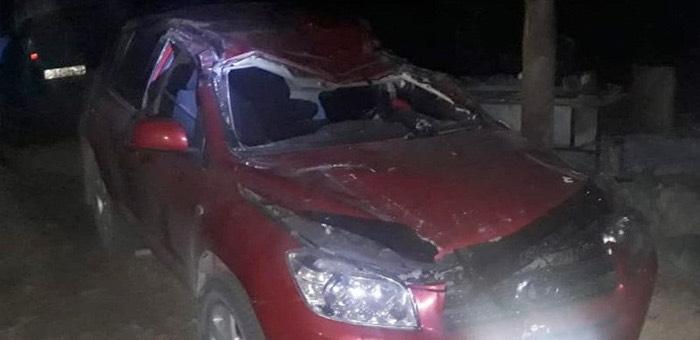 Автомобиль Toyota RAV 4 упал с моста на дороге к Большому Яломану