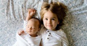 Около 1,7 семей в Республике Алтай получат выплату по 5 тысяч рублей на детей до трех лет