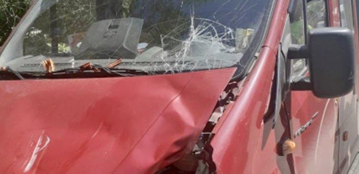 Велосипедистку сбил грузовик: ПДД нарушили оба участника происшествия