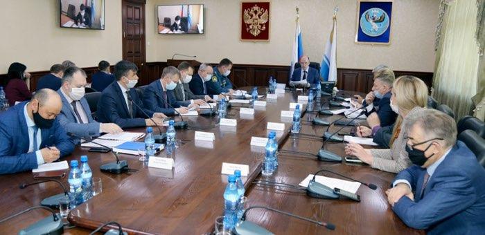 Олег Хорохордин провел совещание с главами муниципалитетов