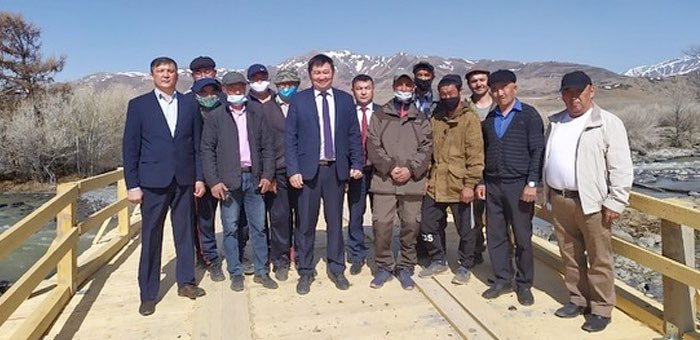 Жители села Чаган-Узун построили мост