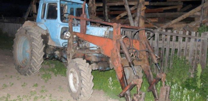 Пьяный сельчанин на тракторе столкнул в кювет «Волгу», в которой находились пять его родственников