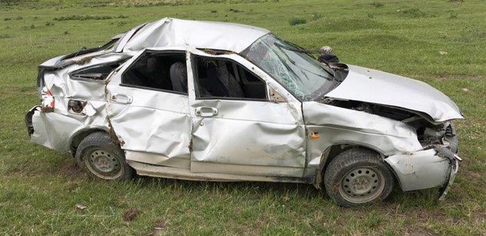 Разбил машину и немедленно выпил: сельчанин без прав устроил ДТП