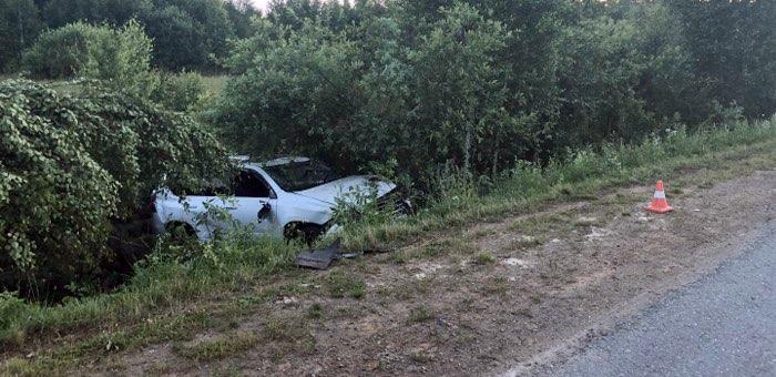 На Телецком тракте попал в аварию житель Алтайского края на «Лексусе»