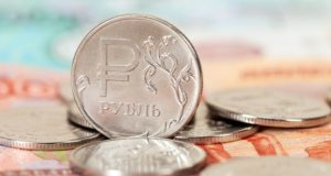 Семьи с детьми до 16 лет получат дополнительно по 10 тысяч рублей на ребенка