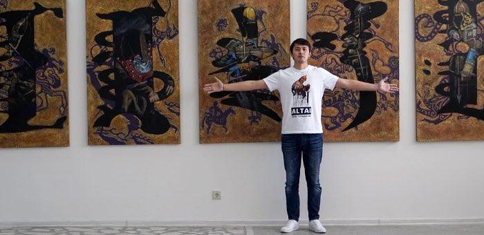 Мистический реализм: в Красноярске прошла выставка Аржана Ютеева