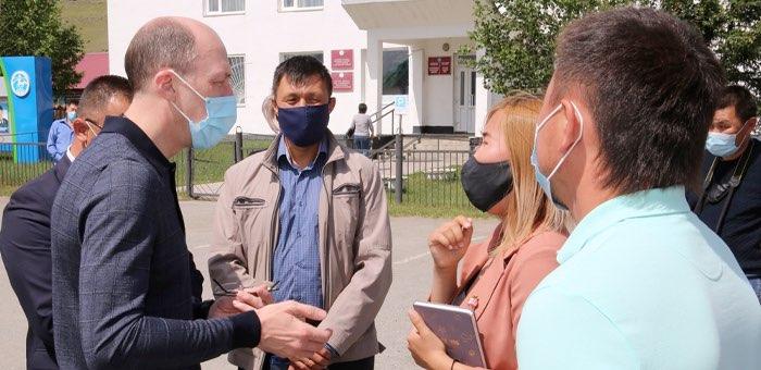 Олег Хорохордин посетил Улаганский район