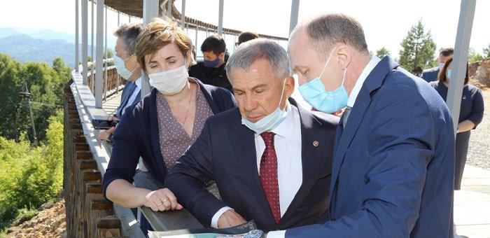 Президент Татарстана посетил панорамный парк «Гора Туугая»