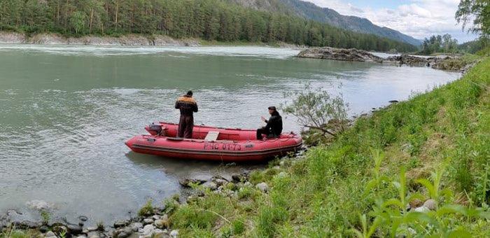 Спасатели обнаружили тело молодого человека, утонувшего в Катуни в конце мая