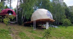 Около Артыбаша строят необычную турбазу из купольных домов