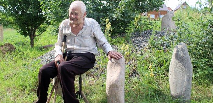 Открылась виртуальная выставка, посвященная 80-летию Анатолия Гурьянова