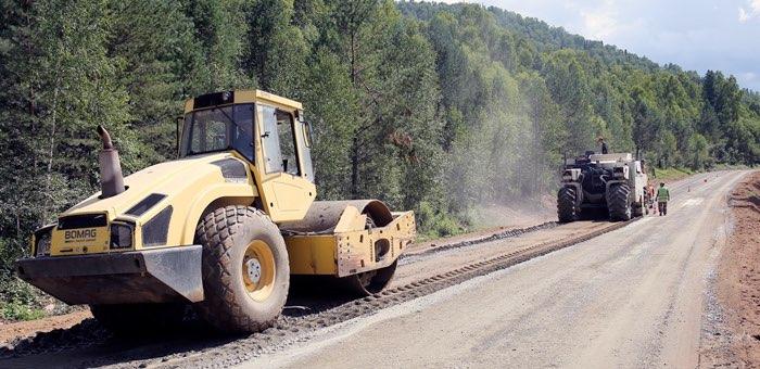 В Чойском районе продолжается ремонт дороги до Сейки