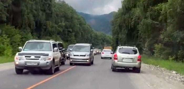 В выходные ремонт на Чуйском тракте приостановят, но в Усть-Мунах могут быть затруднения