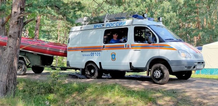 Аккем, Чулышманская долина, порог «Манжерокский»: в популярных у туристов местах дежурят спасатели