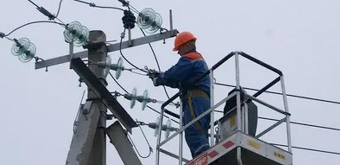 Энергетики устранили нарушения на линиях электропередачи